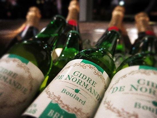 Förutom Champagne fanns cider från Normandie. Den destillerade äppelvarianten saknades dock… dommage.