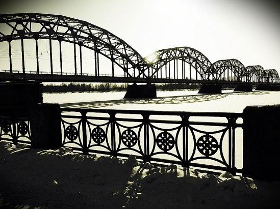Den fina - och fotogeniska! - gamla åttaspänniga Järnvägsbron, Dzelzceļa tilts (1914) (Återuppförd både efter första och andra världskriget)