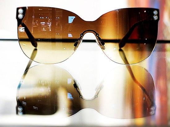Elegant visir av Moschino