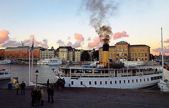 Smoke on the water / © LEX 2013