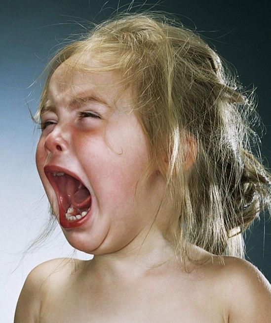 Barnen fick Jill Greenberg att gråta genom att först ge, och sedan ta tillbaka, godis.