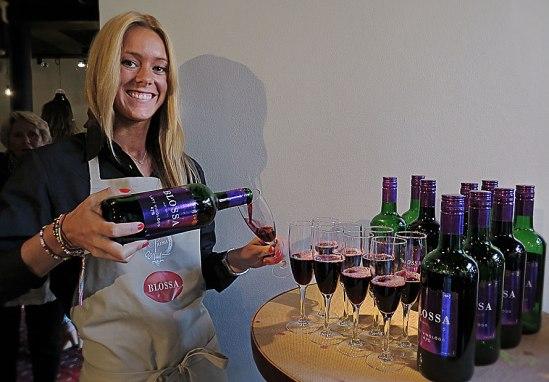 Ännu en Blossa-nyhet med violett etikett  (4,7%, 49 kr)