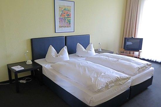 Så här fluffar man till kuddarna på Hotel Days Inn Leipzig City Centre
