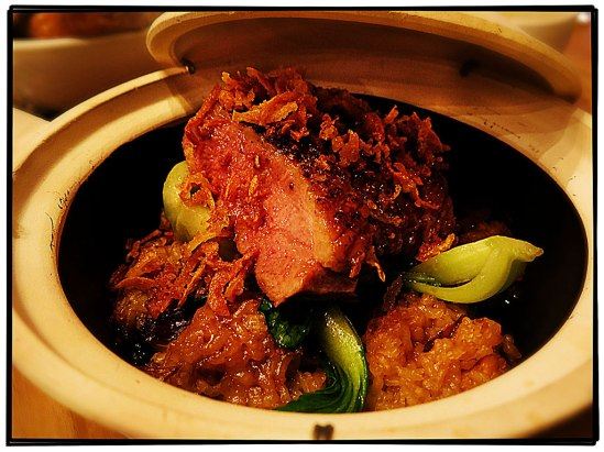 Pepparstekt ankbröst med claypot-ris och kinesisk broccoli (Sydostasien, 275-)