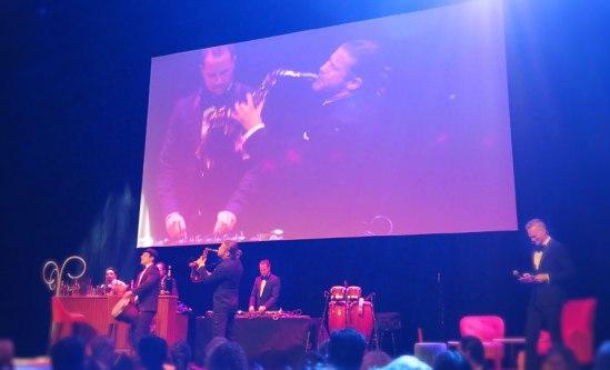 För den musikaliska inramningen svarade saxofonisten Michael Feiner, slagverkaren David Eldh samt Matt Joko, dj.